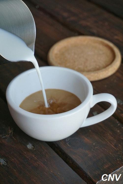 cho sữa vào ca phê linh chi